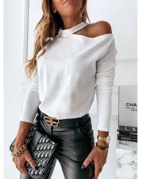 Дамска блуза в бяло с голо рамо - код 41511