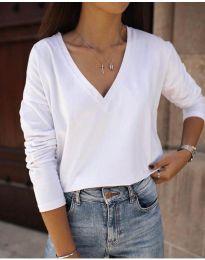 Дамска бяла блуза с голямо деколте - код 3574
