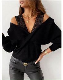 Ефектен дамски пуловер в черно - код 9266