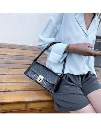 Дамска чанта в черно - код B6