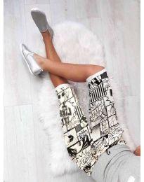 Къс панталон с интересен десен в бяло - код 189