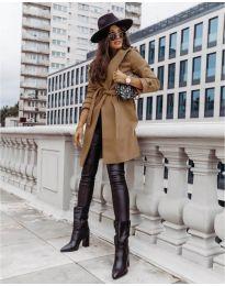 Дамско палто с колан в кафяво - код 3839