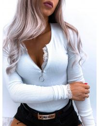 Дамска блуза в бяло - код 4046