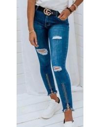 Дамски сини дънки с кръпки - код 3654