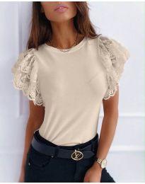 Бежова дамска тениска с дантелени ръкави - код 657