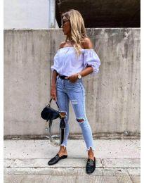 Дамска блуза с паднали къси ръкави в бяло - код 243