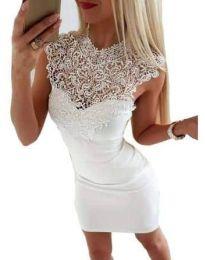 Елегантна бяла рокля с бродерии - код 2546