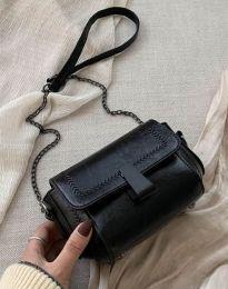 Дамска чанта в черно - код B415