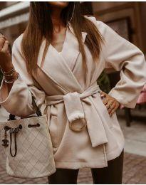 Дамско късо палто в бежово  - код 8282