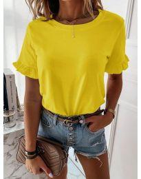 Дамска тениска в жълт цвят - код 068