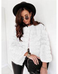 Дамско късо палто в бяло - код 7676