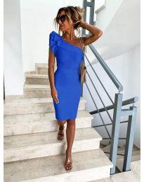 Елегантна рокля в синьо с голо рамо - код 710