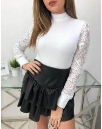 Блуза с ефектни ръкави в бяло - код 4269