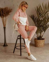 Дамски спортен комплект в цвят праскова - код 11630