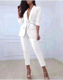 Комплект от сако и панталон в бяло - код 813