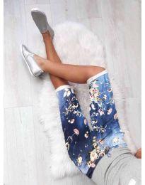 Къс панталон с флорален десен в синьо - код 184