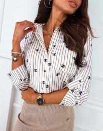Атрактивна елегантна вталена дамска риза в  на райе в бяло - код 3223 - 1