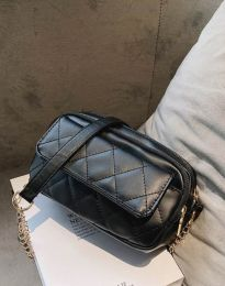 Дамска чанта в черно - код B331