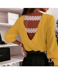 Елегантна дамска блуза в цвят горчица с ефект на гърба - код 5155