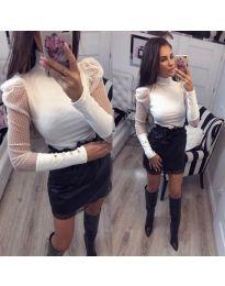 Елегантна блуза с тюлени ръкави в бяло - код 922