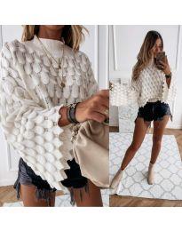 Ефектен дамски пуловер в бяло - код 8092