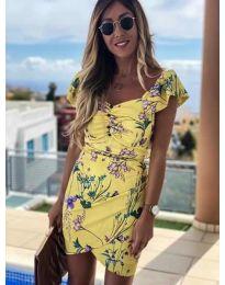 Жълта рокля на флорални мотиви - код 526