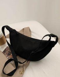Дамска чанта в черно - код B262