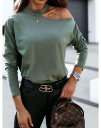 Дамска блуза в маслено зелено с голо рамо - код 41511