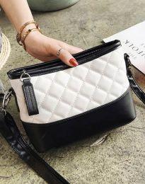 Атрактивна дамска чанта в бяло - код B305