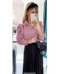 Стилна дамска блуза с пандела на рамото в розово - код 890