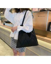 Атрактивна дамска чанта в черно - код B522