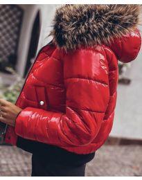 Дамско яке в червено с пух - код 4949