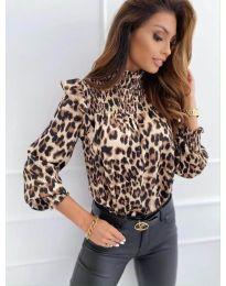 Дамска блуза с атрактивен десен и къдрички - код 496 - 1