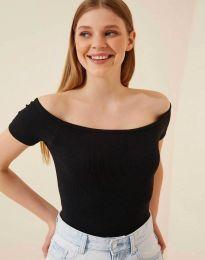 Дамска тениска в черно - 13010