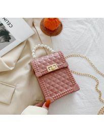 Атрактивна дамска чанта с ефектна дръжка в цвят пудра - B528