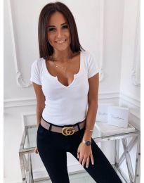 Дамска тениска в бял цвят с цепка при деколтето - код 3629