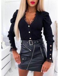 Къса дамска жилетка в черно - код 4449