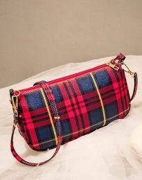 Атрактивна дамска чанта в червено - код B270
