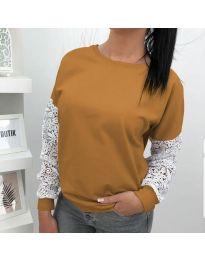 Дамска блуза в кафяво с дантелени ръкави - код 4060