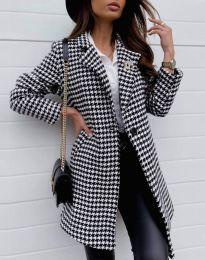 Атрактивно дамско палто - код 1110