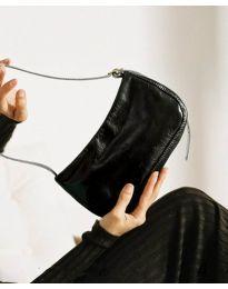 Дамска чанта в черно - код B21