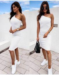 Дамска рокля в бяло с голо рамо - код 0208