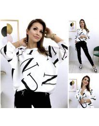 Свободна блуза в бяло с черен мотив - код 414