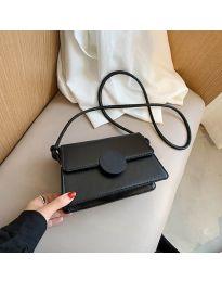 Дамска чанта в черно - код B84