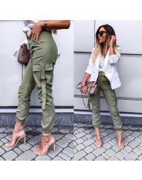 Спортно - елегантен панталон в зелено - код 091