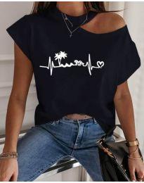 Тениска с голо рамо в черен цвят с принт - код 206