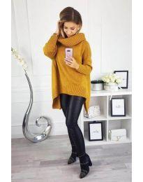 Свободна плетена блуза с асиметрична долна част в цвят горчица - код 393