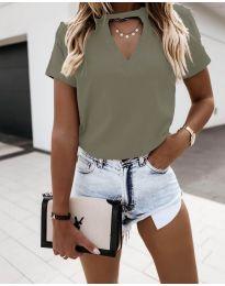 Дамска изчистена тениска в маслено зелено - код 3597