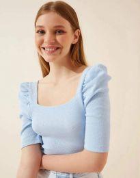 Дамска блуза с атрактивни ръкави в светлосиньо - код 1300