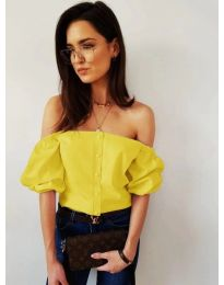 Дамска блуза с паднали къси ръкави в жълто - код 243